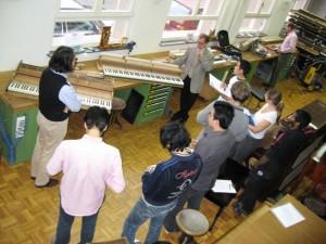 ドイツピアノ工房でのレクチャー