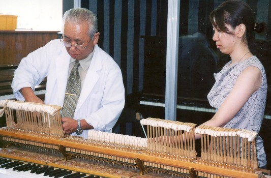 グランドピアノ調整実技